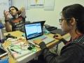 Participante del evento trabajando en su programación