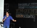 Conferenciante del IoT Day dando una charla