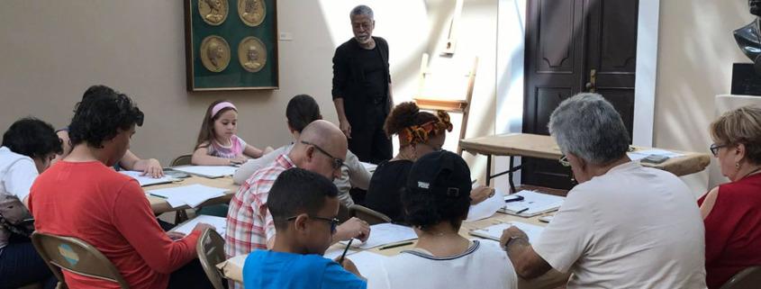 Taller de Dibujo Básico junto al profesor Tomás Vargas