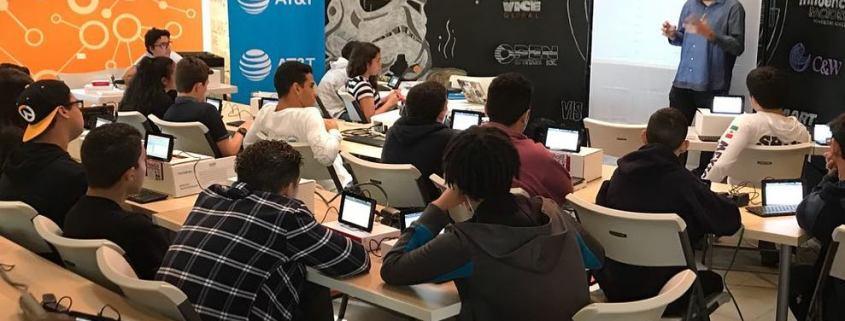 """Programa para Jovenes """"IoTeen Boot Camp"""" en el Engine-4"""