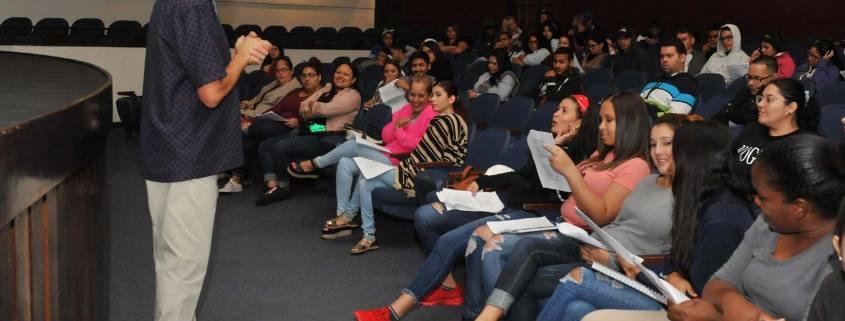 Brindan Taller de Preparación para el Empleo en el Teatro Braulio Castillo