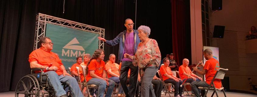 Ofrecen Obra de Teatro Acompañada de una Rutina de Ejercicios de Bajo Impacto en el Teatro Braulio Castillo