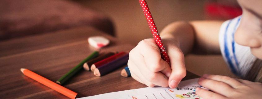 Hacen Recomendaciones para Enseñar a Niños de Educación Especial en el Hogar