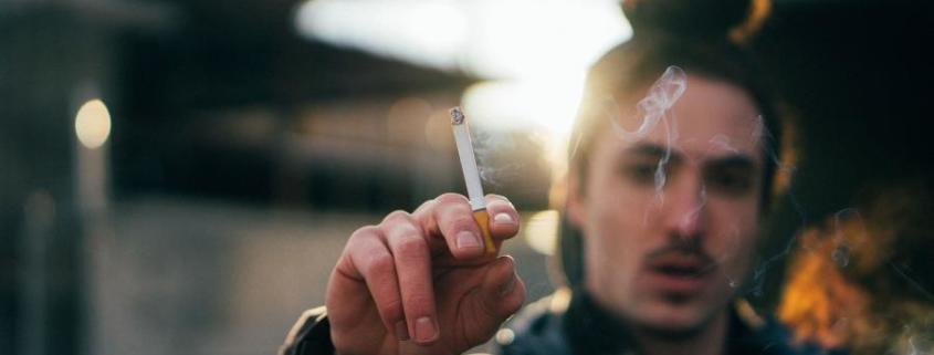 Fumar Implicaría el Doble de Riesgo de Sufrir una Progresión de Coronavirus